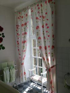 Sunny Bathroom Chateau du Pin 2014